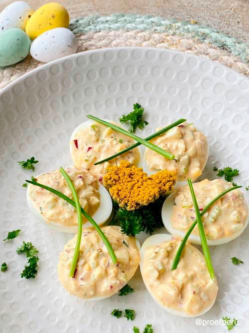 Gevulde eieren salade met een Peruaanse twist